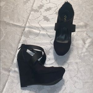 Black Crossover Strap Wedges